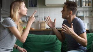 iStock 1028900490 320x180 - 【カウンセリング 】50代女性体験談、更年期はこんなに辛いの?突然襲ってくるホットフラッシュの克服法!